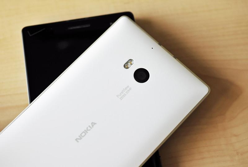 Lumia 930 白色(背面)