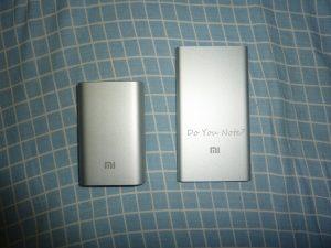 小米充电宝(左:10000 右:5000)