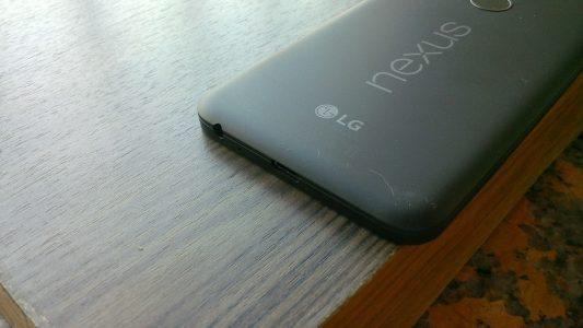 Nexus5x底部