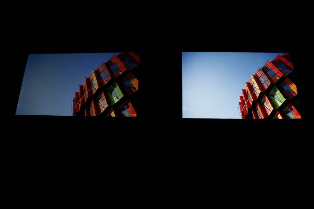 红米Note 4X(左)与iPhone 7 Plus(右)显示效果对比