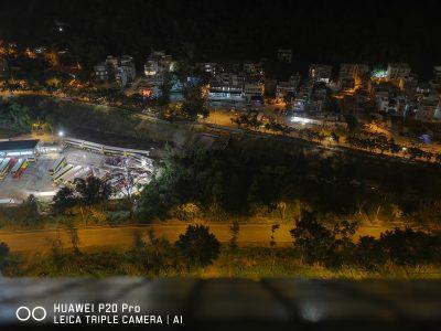 超级夜景模式下的照片(架在窗口,24秒曝光)