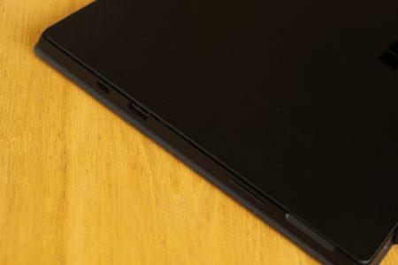 Surface Pro 7右侧接口