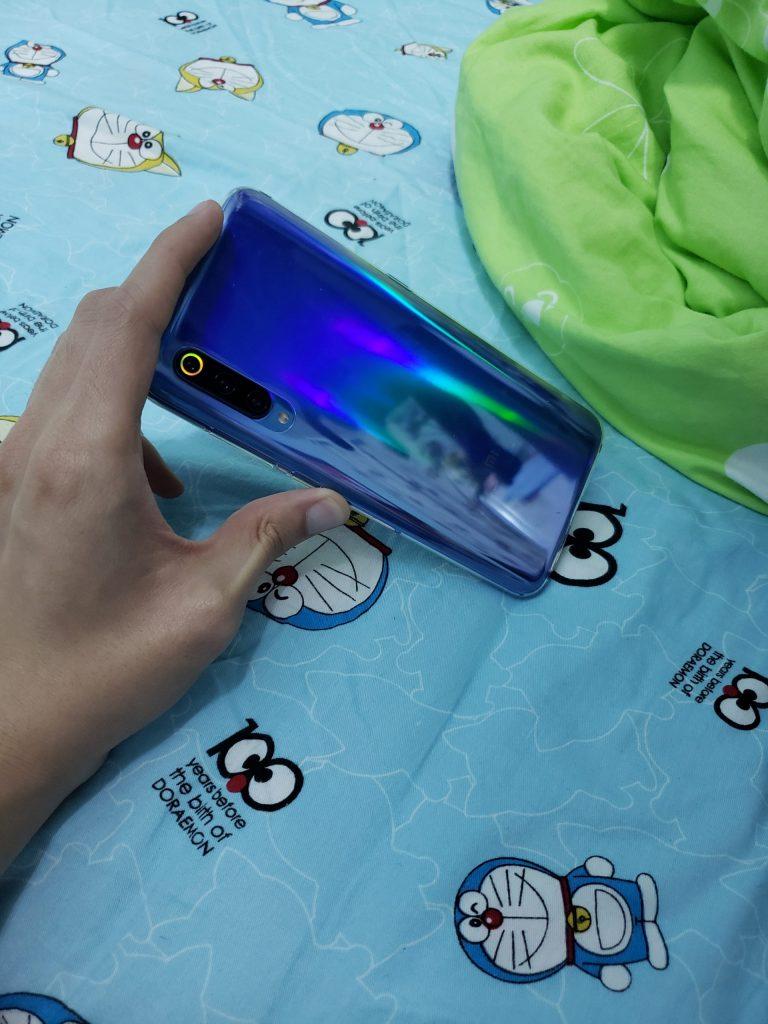 小米9,抢的全息幻象蓝,我觉得和全息幻象紫并列小米9系列最美颜色。